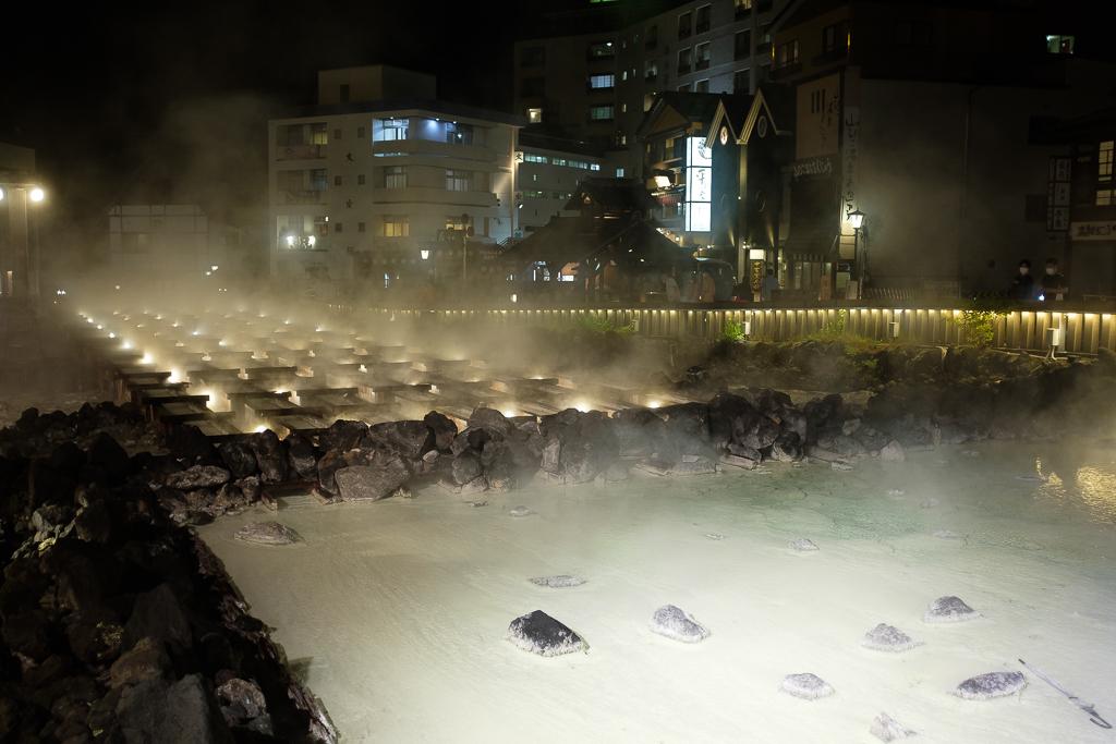 草津温泉の夜